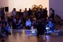 performance d'Hicham Berrada avec le musicien Laurent Durupt