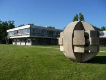 La bibliothèque et la Boule